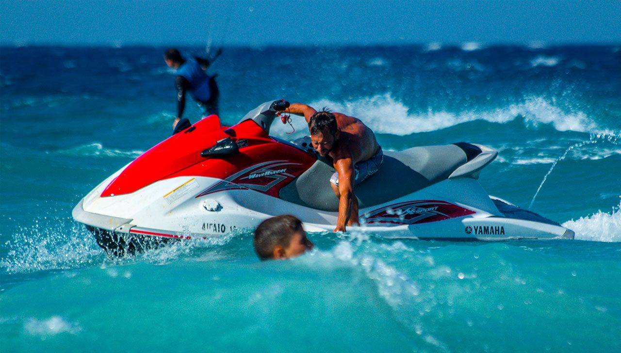 rescue-kitesurfing-kite-air-riders-kitepro-center-kremasti-rhodes-jetski