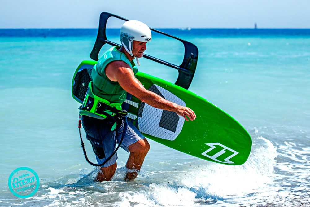 kite-gear-kitesurfing-kite-air-riders-kitepro-center-kremasti-rhodes-board